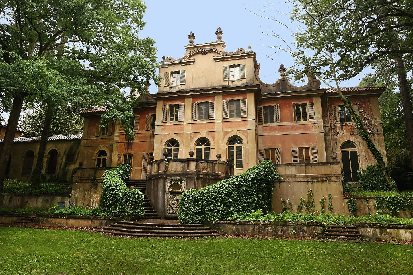 Cover story buckhead 39 s most intriguing mansions the for Estate house